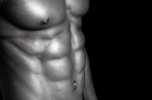 あなたは大丈夫?腹筋が割れない3つの理由と最短で割る筋トレ法